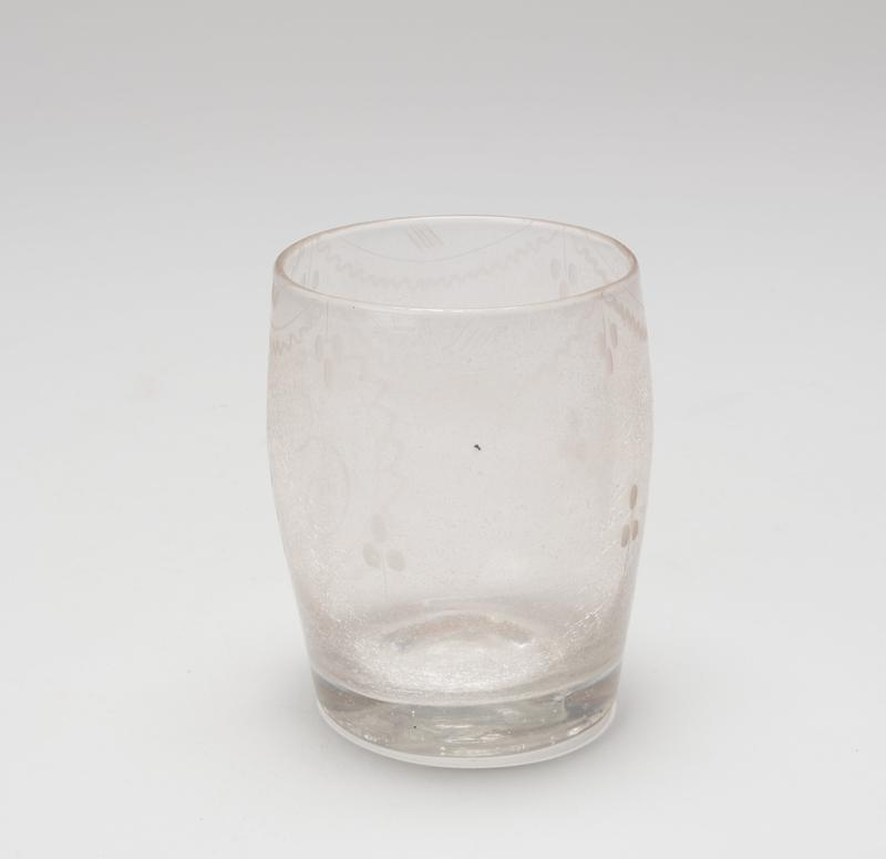 barrel-shaped water glass, etched; Stiegel type