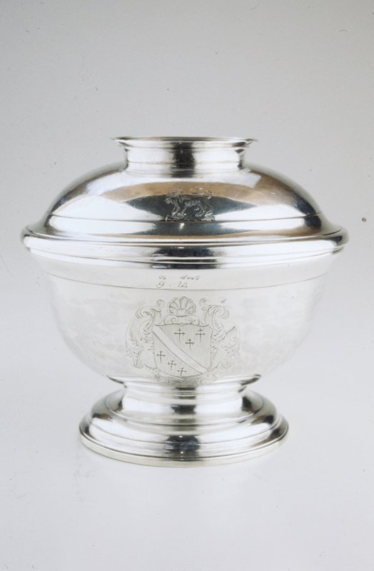 sugar bowl and cover; coat-of-arms on bowl, lion on side of cover