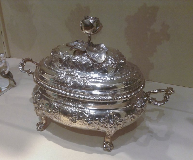 covered soup tureen with rose spray finial