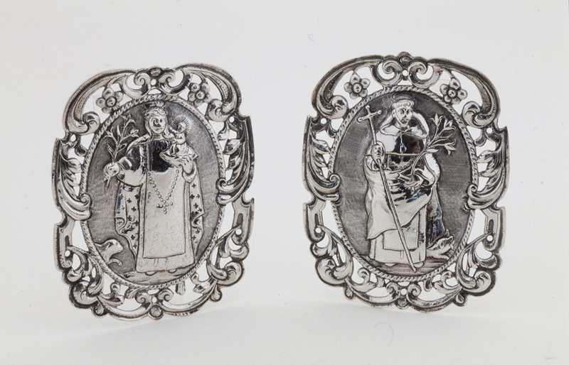Virgin and Child saddle saint, silver, Mexican XXc cat. card dims H 5-3/4 x W 5'