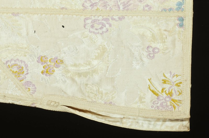 jacquard fabric with tailormade trim