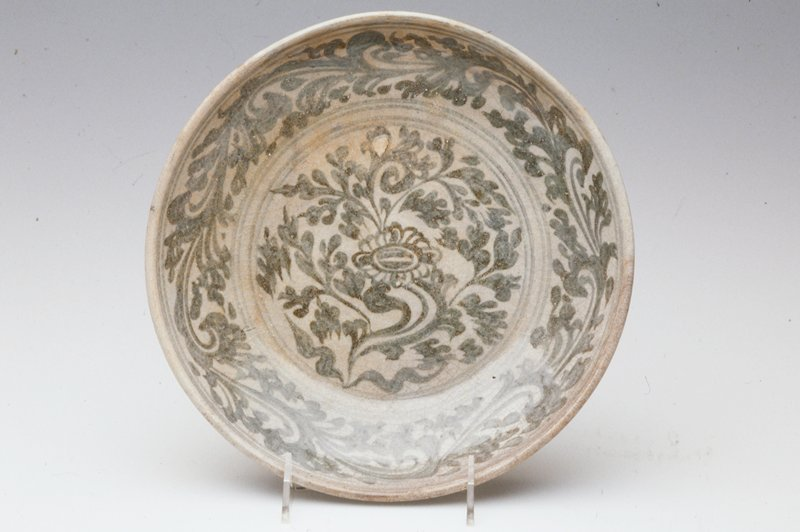 porcelaneous stoneware.