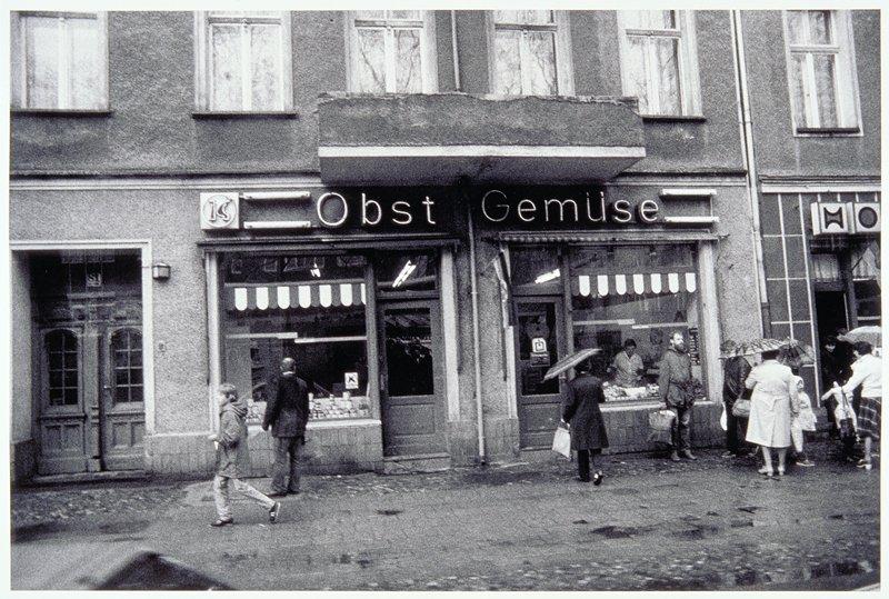'Obst Gemuse' street scene